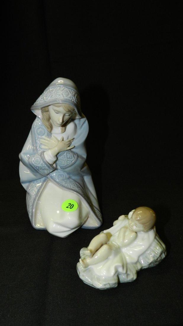 Lovely 2 piece Lladro porcelain figurine, baby Jesus