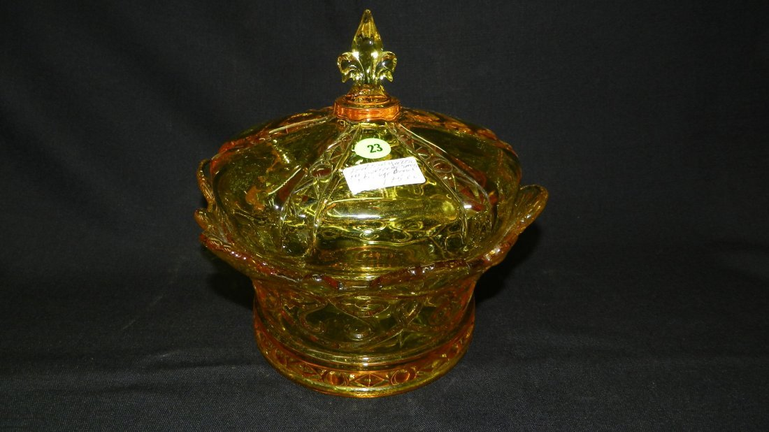 Beautiful Fostoria yellow crown covered dish. COND VG