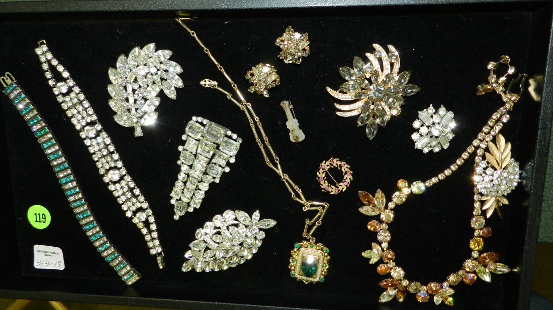 18) lovely group of vintage estate jewelry, various