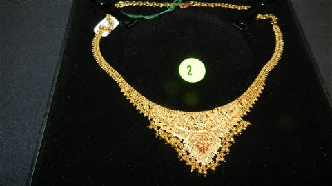 Stunning 21KT gold (stamped) necklace, made in India,