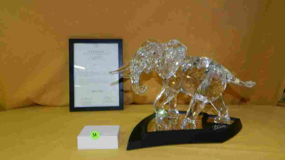 Breathtaking MASSIVE Swarovski crystal elephant 2006,