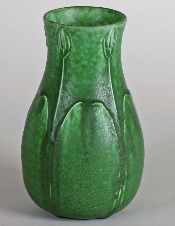 1018: Grueby Vase