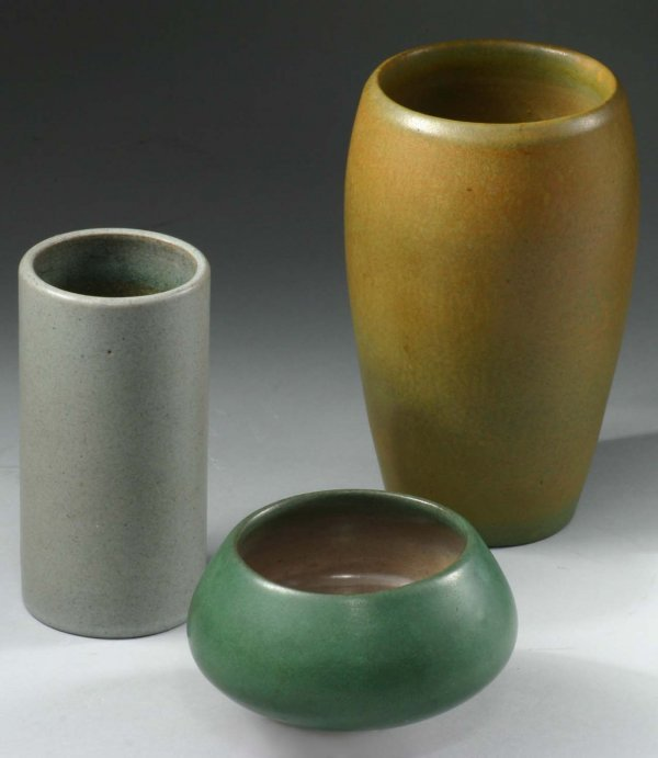 1032: 3 Marblehead Pieces