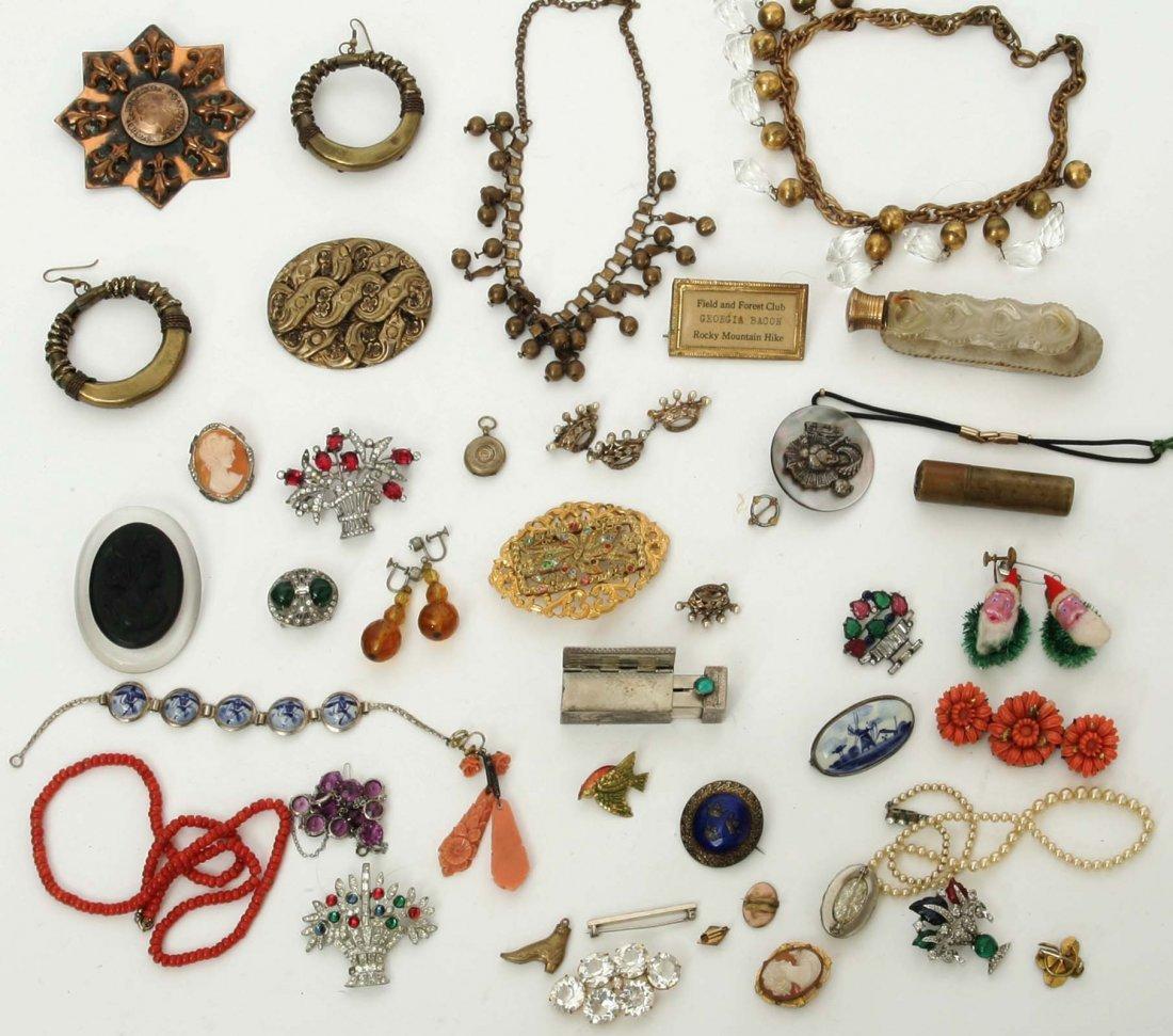 Vintage women's Jewelry Lot