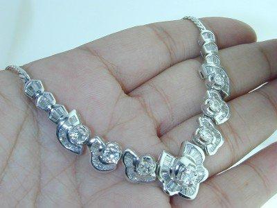 9: 9: 18k White Gold Baguette Diamond Necklace