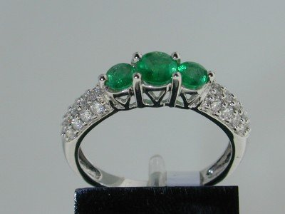 16: 14K White Gold Emerald Diamond Ring.