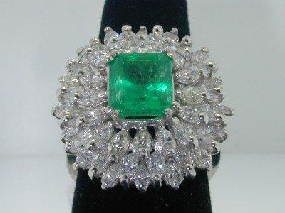 92: Platinum Emerald Diamond Ring