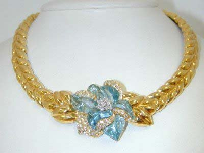 393: 18K Two Toned Gold Diamond Necklace!!