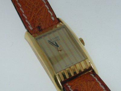253: 253: Van Cleef & Arpels 18K Yellow Gold Watch!!