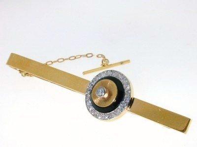 15: 18k Yellow Gold Diamond Pin