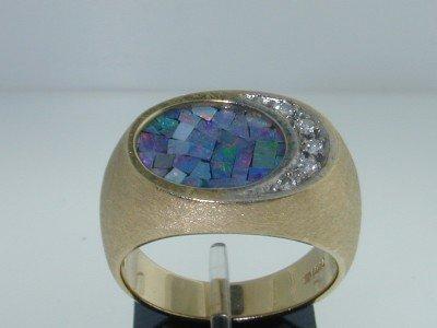 20: 14k Yellow Gold Opal & Diamond Ring.!!