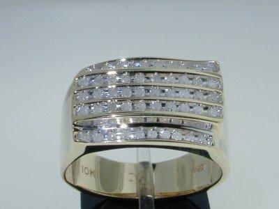 8: 10k Yellow Gold Diamond Ring!!