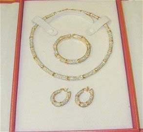 303: Cartier 18K Yellow Diamond Necklace!!!