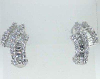 10: 14K  White Gold   Diamond Earrings
