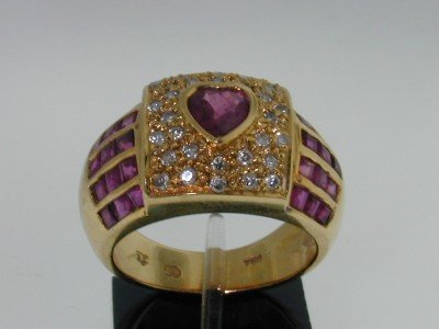 25: 18k Yellow Gold Ruby Diamond Ring