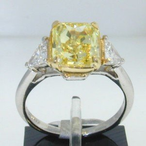 380: Harry Winston Platinum Fancy Yellow Diamond Ring