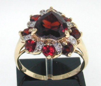 20: 14K Yellow Gold Garnet & Diamond Ring