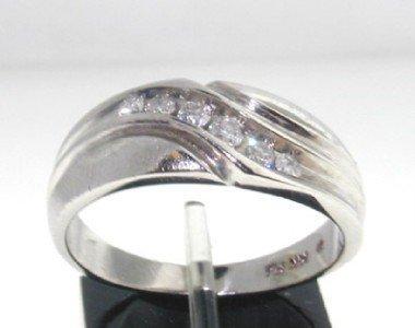 4: 14K White Gold Diamond Ring,