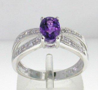 8: 14K White Gold Amethyst Diamond Ring.