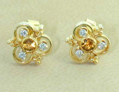 12: 18K Yellow Gold Diamond Earrings
