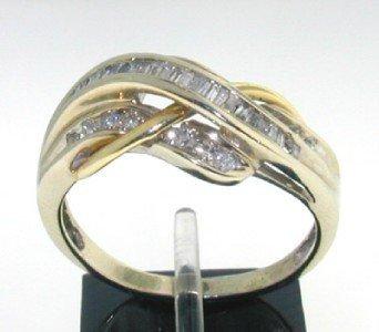 15: 14K Yellow Gold Diamond Ring