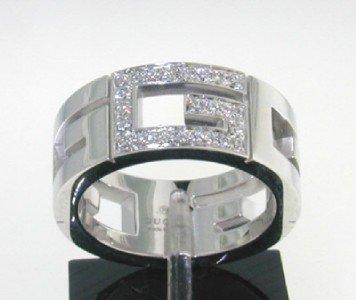 Gucci 18K White Gold Diamond Ring.