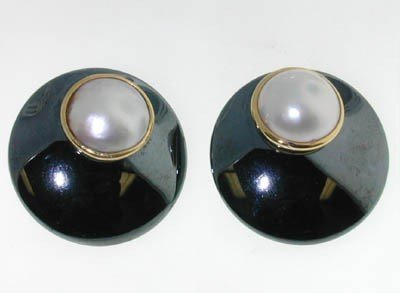 14k Yellow Gold Hematite and pearl Earrings!