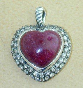 9A: David Yurman Silver Cabochon Ruby,Diamond Heart Pen