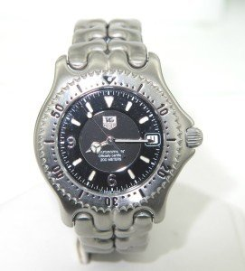 18: Tag Heuer Stainless Steel Chronometer Men Watch.