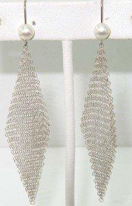 7: 7: Tiffany & Co Peretti Silver Pearl Mesh Earrings