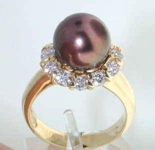 13: 14K Yellow Gold Diamond & Pearl Ring