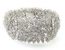 424: 424: 18K White Gold Diamond Bracelet