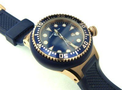 7: 7: Swiss Legend Stainless Steel Rubber Strap Watch