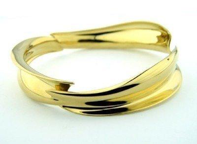 366: 366: Tiffany & Co 18K Yellow Gold Bangle