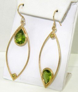 Antique 18K Yellow Gold Peridot Earrings