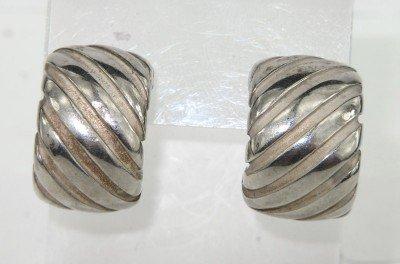 6B: Tiffany & Co Silver Earrings
