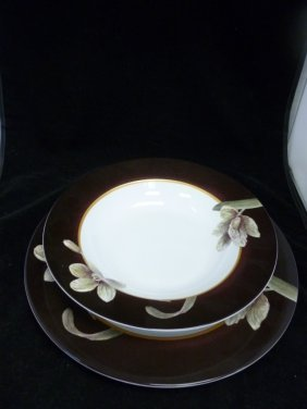 American Atelier Floral Dinner Set