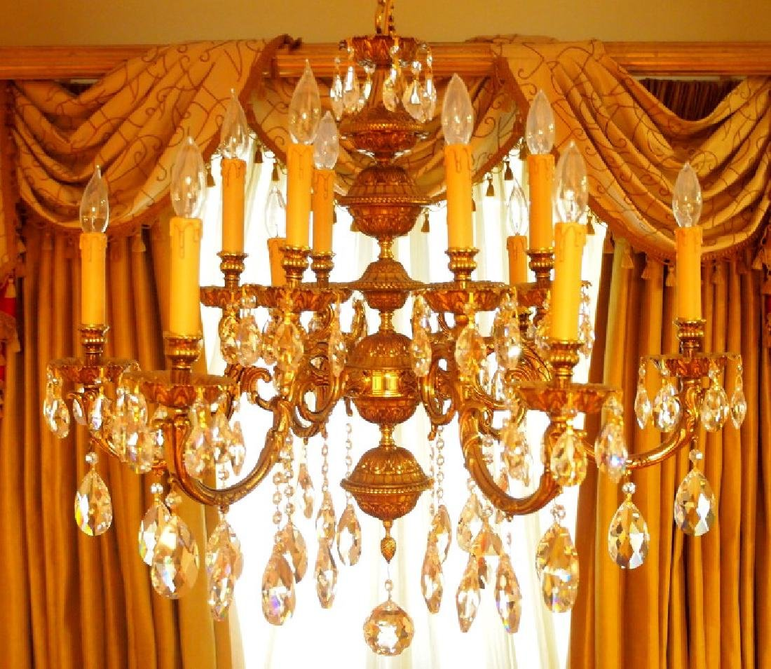 European style 12-light chandelier - 2