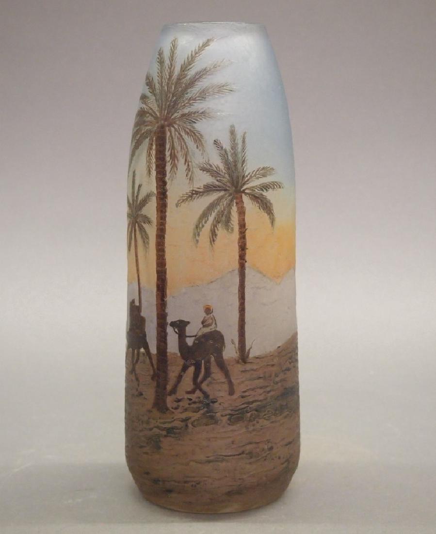 Degue Cameo scenic vase - 2