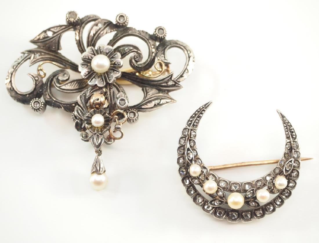 2 Late 19th c. 9 kt White Gold Brooches