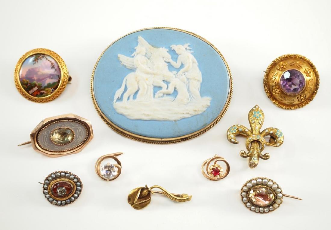 Wedgwood Blue Jasperware Brooch & 9 pins