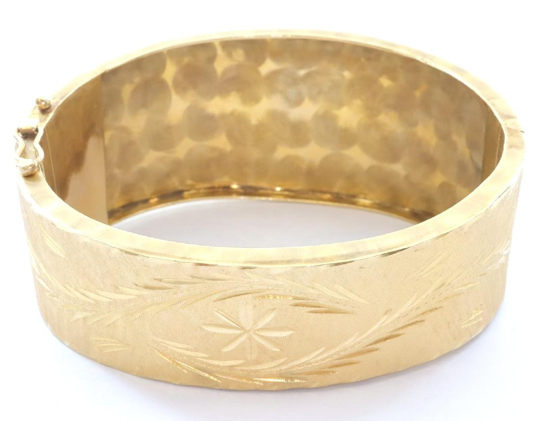 14 kt Yellow Gold Bangle Bracelet