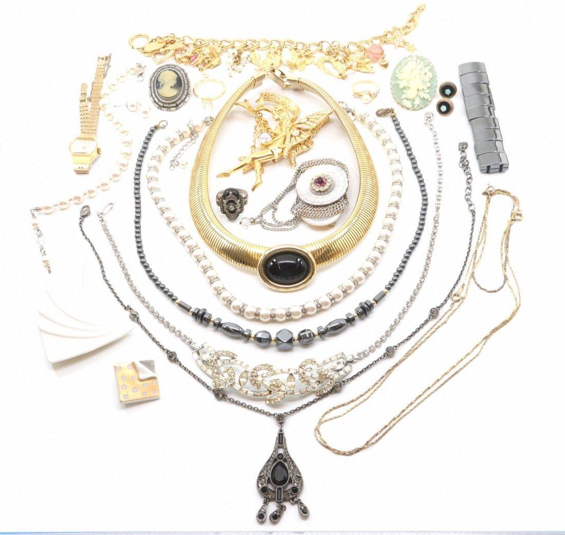25 pcs of Costume Jewelry - 2