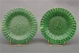 158: 2 Majolica plates