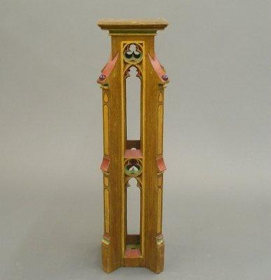 4: Gothic pedestal