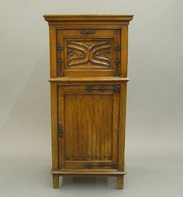 17: Oak side cabinet