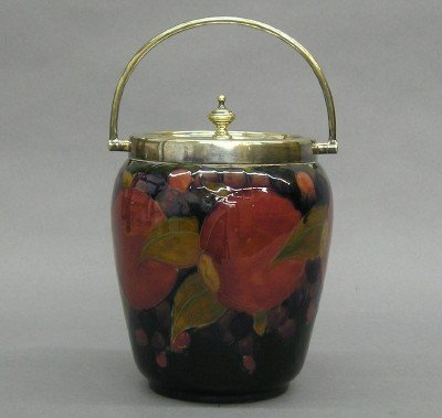 125: Moorcroft Art Pottery biscuit barrel