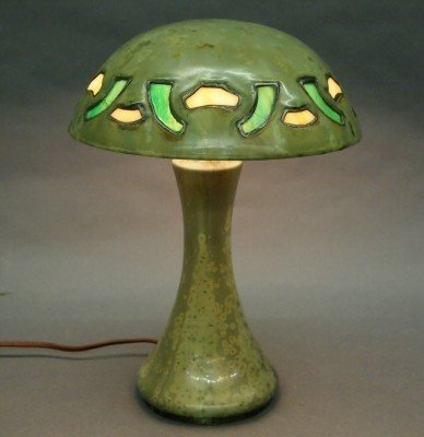 122: Fulper Pottery lamp