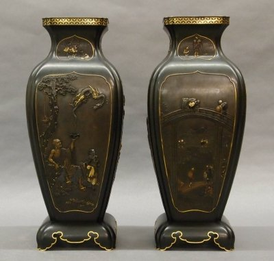 79: Pair of Japanese Meiji Period vases