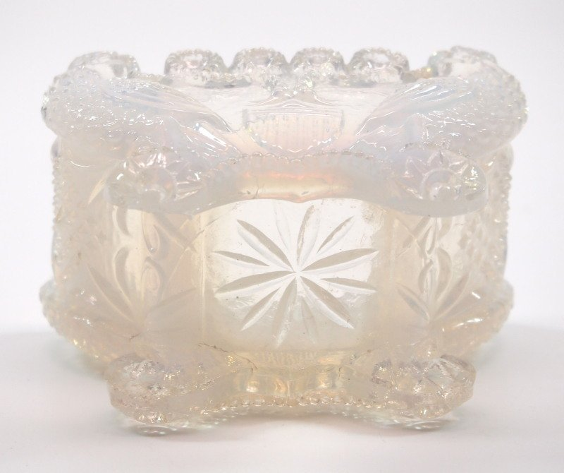 Lacy glass salt dishes, two - 7